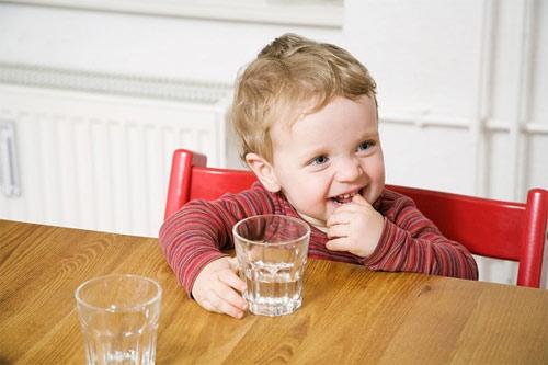 Nguyên tắc vàng khi bổ sung dinh dưỡng cho bé mùa hè