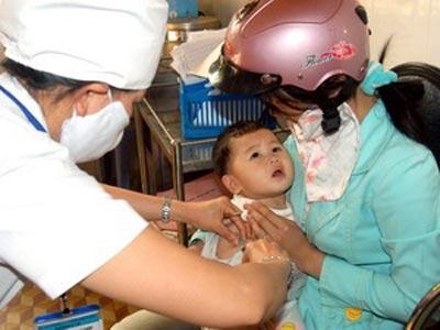 Bộ Y tế ban hành chỉ thị về tăng cường an toàn tiêm chủng